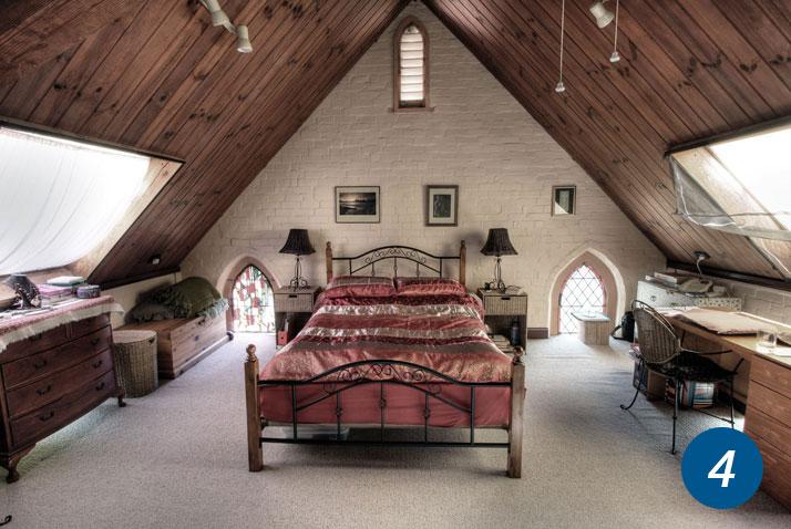 stanza costruita in una chiesa