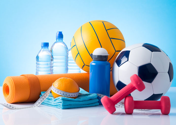diversi attrezzi per lo sport